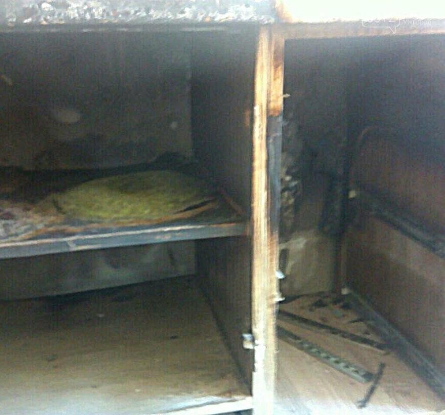 Ужгородські рятувальники оприлюднили фото з місця пожежі у квартирі на вулиці Івана Франка , фото-2