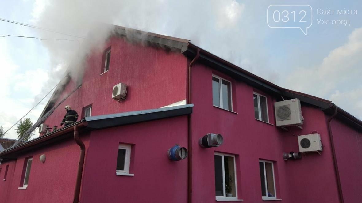 """""""Блискотека"""" у Сокирниці: частину """"G.D. Night Сlub"""" знищено вогнем (ФОТО), фото-2"""