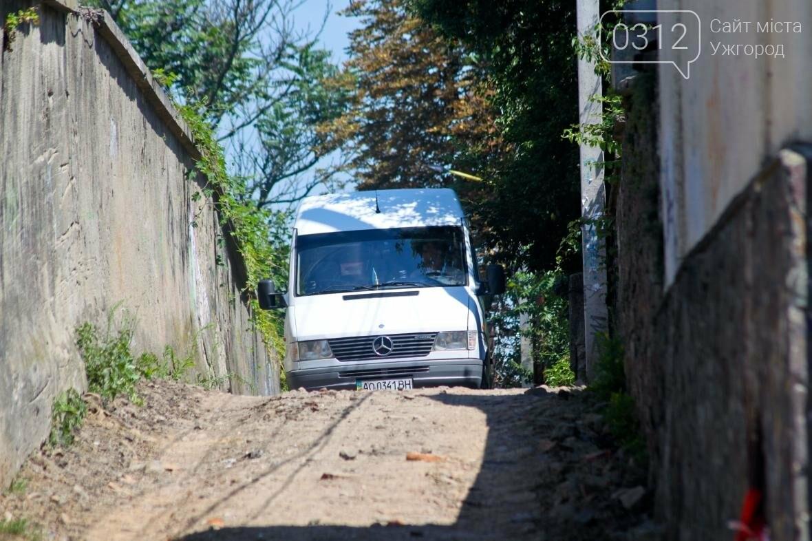 Шлях у один кінець: як в Ужгороді капітально ремонтують Замкові сходи - фоторепортаж, фото-12