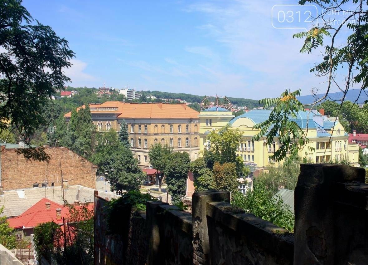 Шлях у один кінець: як в Ужгороді капітально ремонтують Замкові сходи - фоторепортаж, фото-16