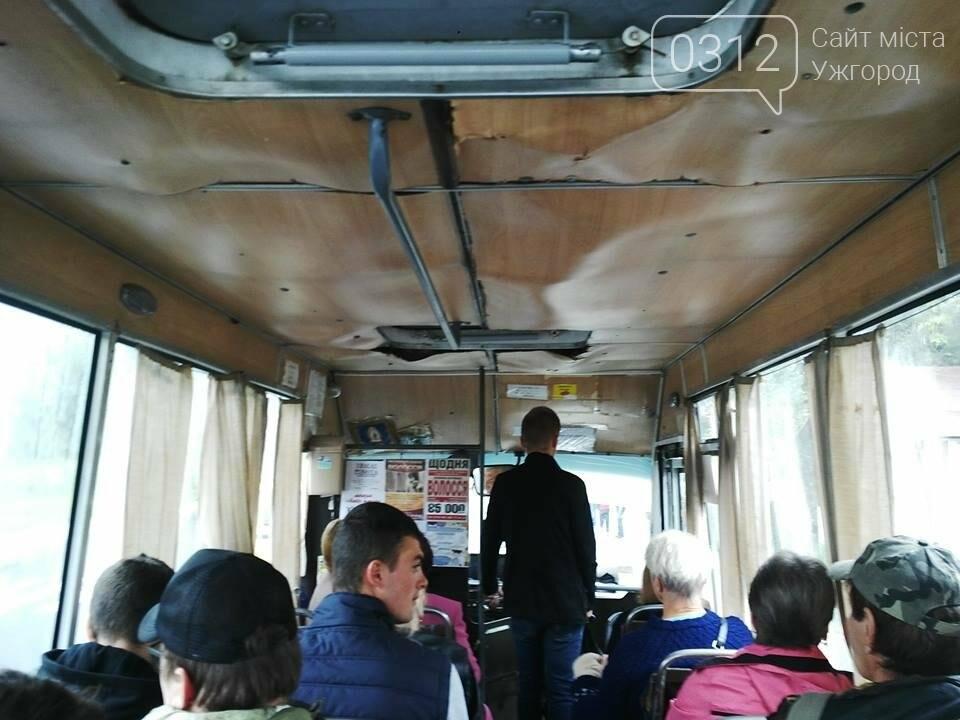 Скотч не допомагає: в ужгородській маршрутці №21 на брудні сидіння пасажирів капає вода (ФОТО), фото-5