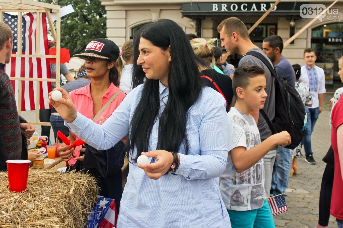 Ужгород говорив мовою сердець: на Театральній пройшло мультикультурне свято (ФОТОРЕПОРТАЖ), фото-12