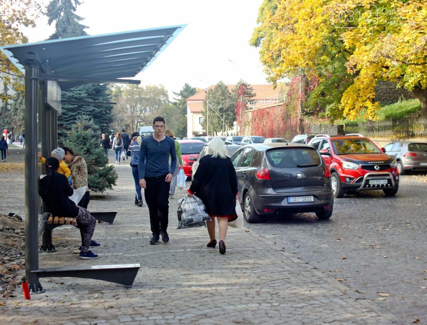 Антивандальне скло та відеоспостереження: чим дивуватимуть нові зупинки в Ужгороді? (ФОТОРЕПОРТАЖ), фото-19
