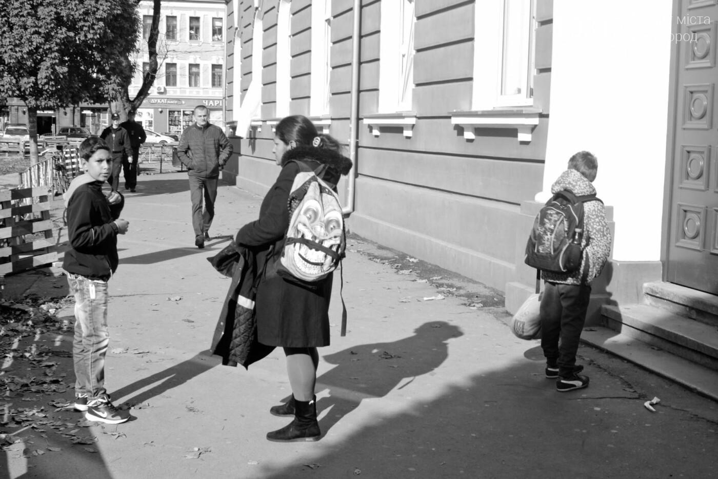 Евакуація в ужгородській ЗОШ №9 через витік газоподібної речовини: усі подробиці (ФОТОРЕПОРТАЖ), фото-3