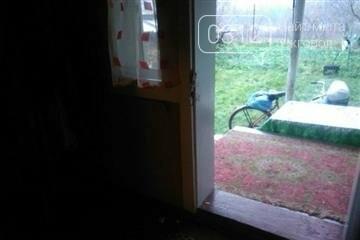 На Тячівщині 52-річний чоловік увірвався у чужий будинок і обікрав односельчанку: фото, фото-1
