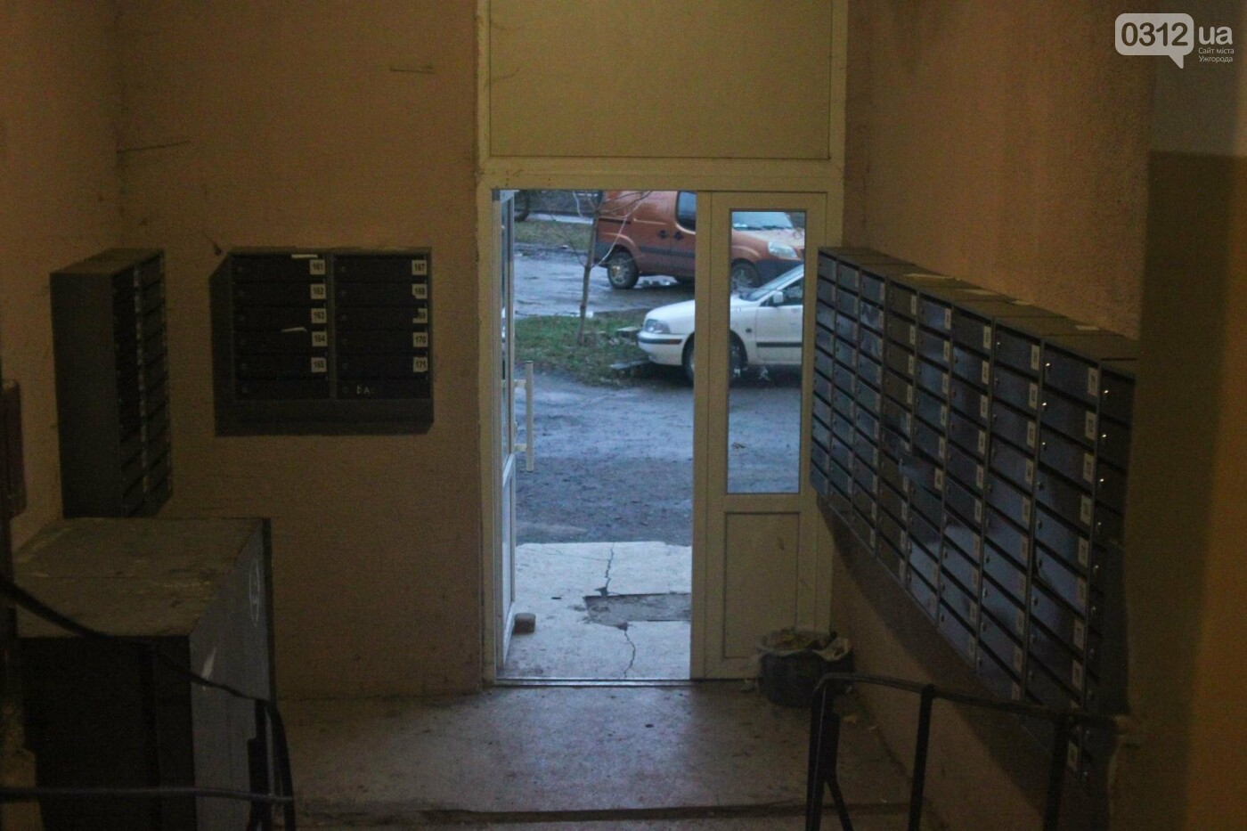 """""""Хвора бабуся не виходила з будинку 15 років"""": як мешканці 9-поверхівки на Заньковецької в Ужгороді живуть без ліфту (РЕПОРТАЖ), фото-6"""