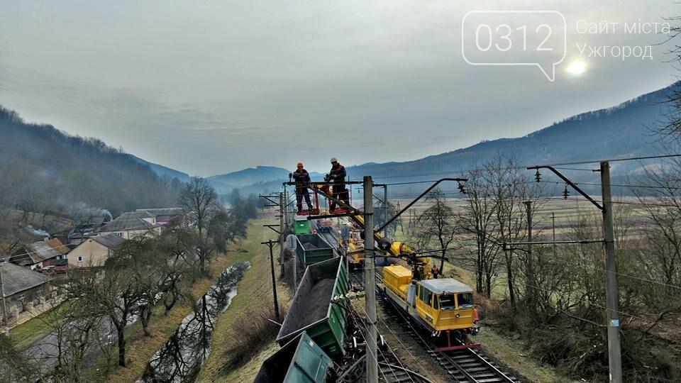 На Закарпатті з рейок з'їхав вантажний потяг (ФОТО, ВІДЕО), фото-12