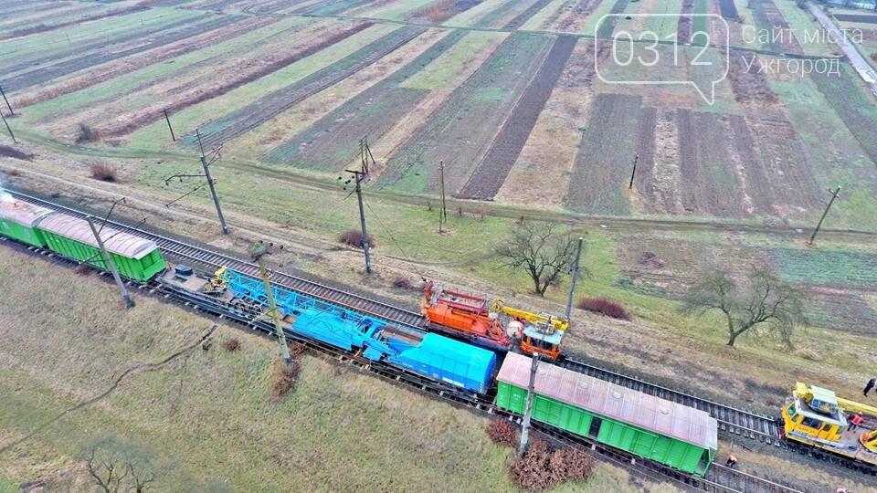 На Закарпатті з рейок з'їхав вантажний потяг (ФОТО, ВІДЕО), фото-9