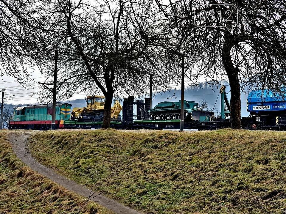 На Закарпатті з рейок з'їхав вантажний потяг (ФОТО, ВІДЕО), фото-15