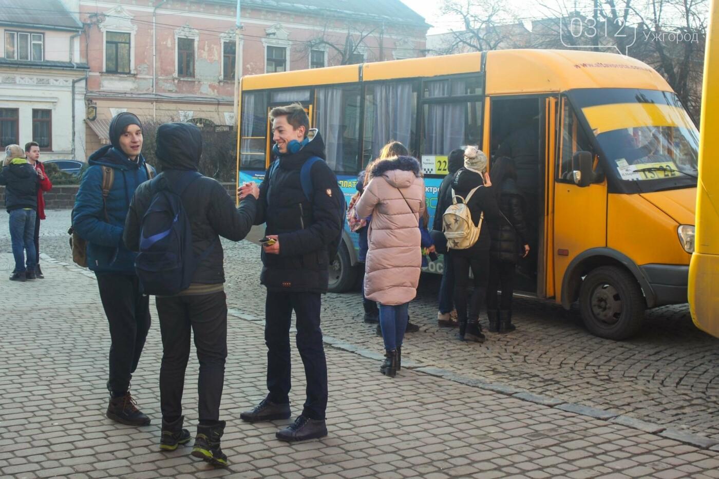 Проблема №15/22: в Ужгороді пасажири півтори години чекають на «маршрутку», а потім скидаються на таксі (РЕПОРТАЖ), фото-5