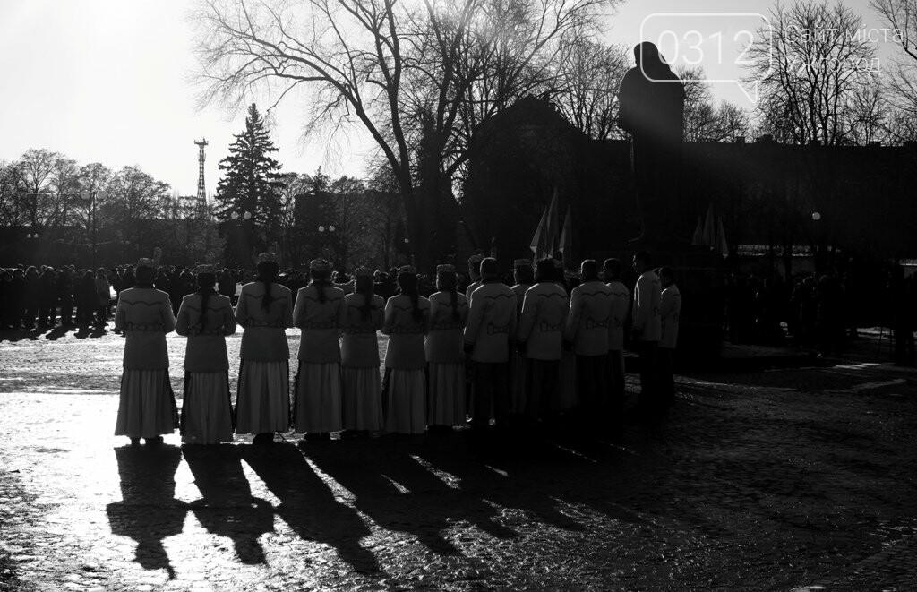 День Соборності в Ужгороді: 100-метровий прапор, урочиста музика та єднання на мості (ФОТОРЕПОРТАЖ, ВІДЕО), фото-7
