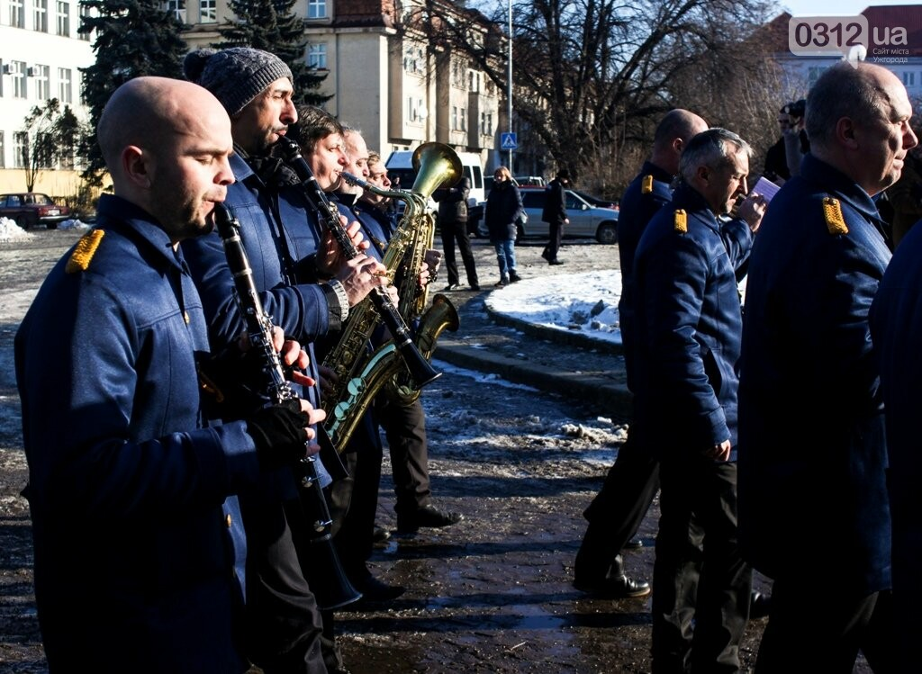 День Соборності в Ужгороді: 100-метровий прапор, урочиста музика та єднання на мості (ФОТОРЕПОРТАЖ, ВІДЕО), фото-10