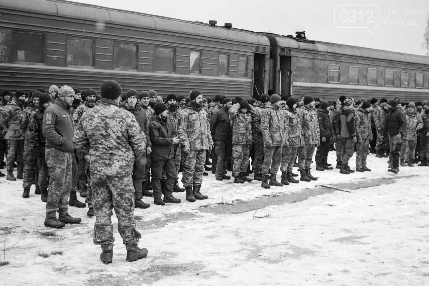 Вони обороняли позиції за 100 метрів від ворога: в Ужгороді зустріли 2-й гірсько-піхотний батальйон 128-ї бригади (ФОТОРЕПОРТАЖ), фото-1