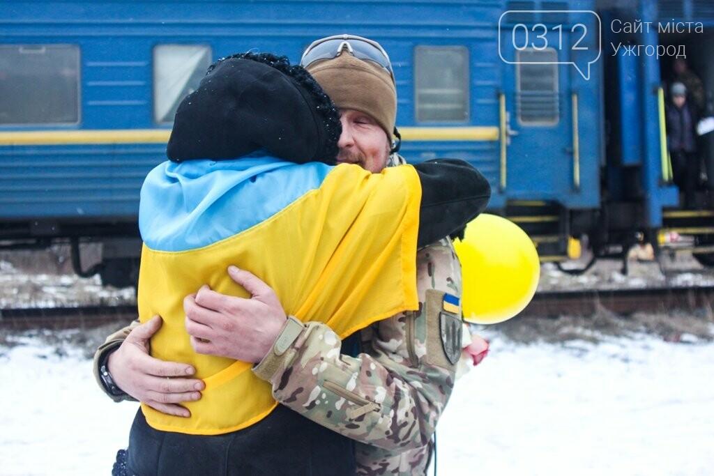 Вони обороняли позиції за 100 метрів від ворога: в Ужгороді зустріли 2-й гірсько-піхотний батальйон 128-ї бригади (ФОТОРЕПОРТАЖ), фото-5