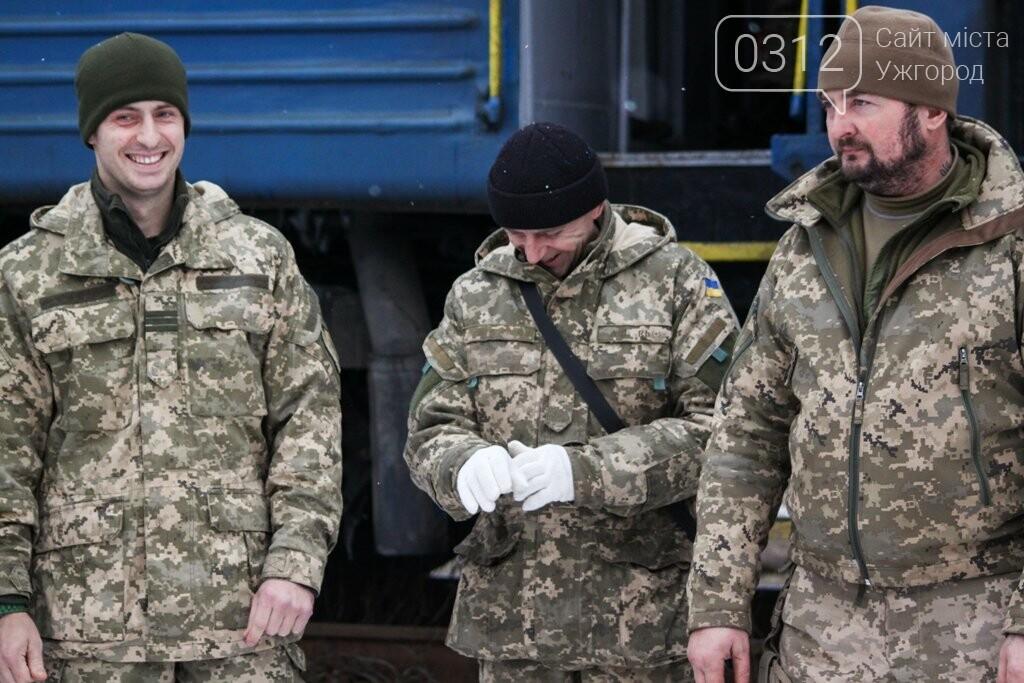 Вони обороняли позиції за 100 метрів від ворога: в Ужгороді зустріли 2-й гірсько-піхотний батальйон 128-ї бригади (ФОТОРЕПОРТАЖ), фото-15