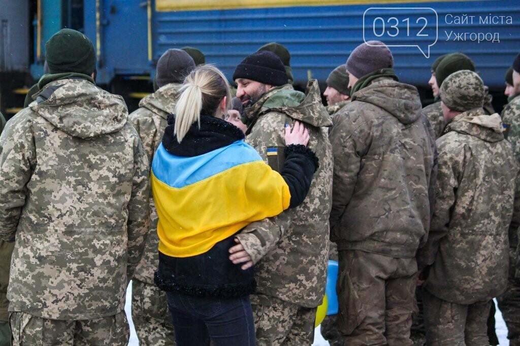 Вони обороняли позиції за 100 метрів від ворога: в Ужгороді зустріли 2-й гірсько-піхотний батальйон 128-ї бригади (ФОТОРЕПОРТАЖ), фото-31