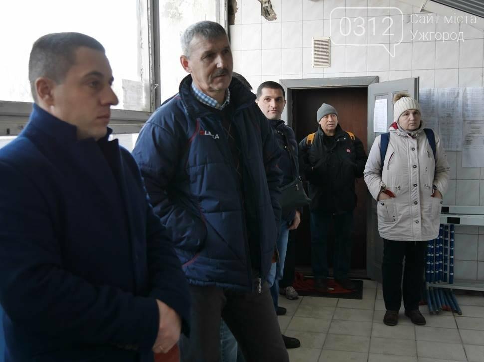 """Мессі цього ніколи не побачить: як зараз виглядає ужгородський стадіон """"Авангард"""" (ФОТО), фото-1"""