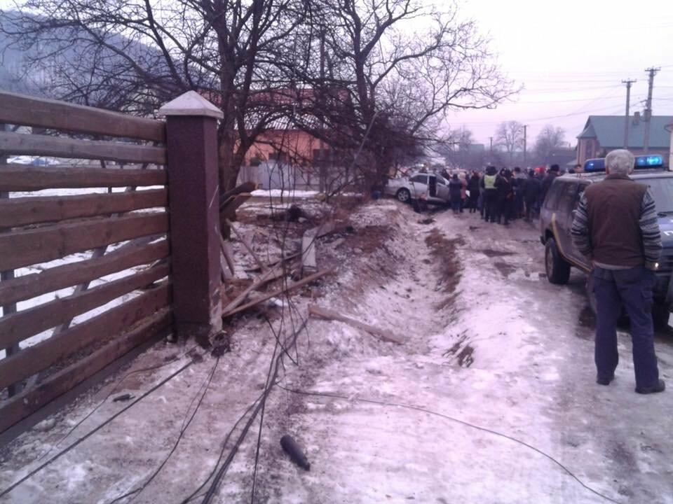 На Закарпатті аварія за участі молодого хлопця забрала життя 11-річної дівчинки (ФОТО), фото-1