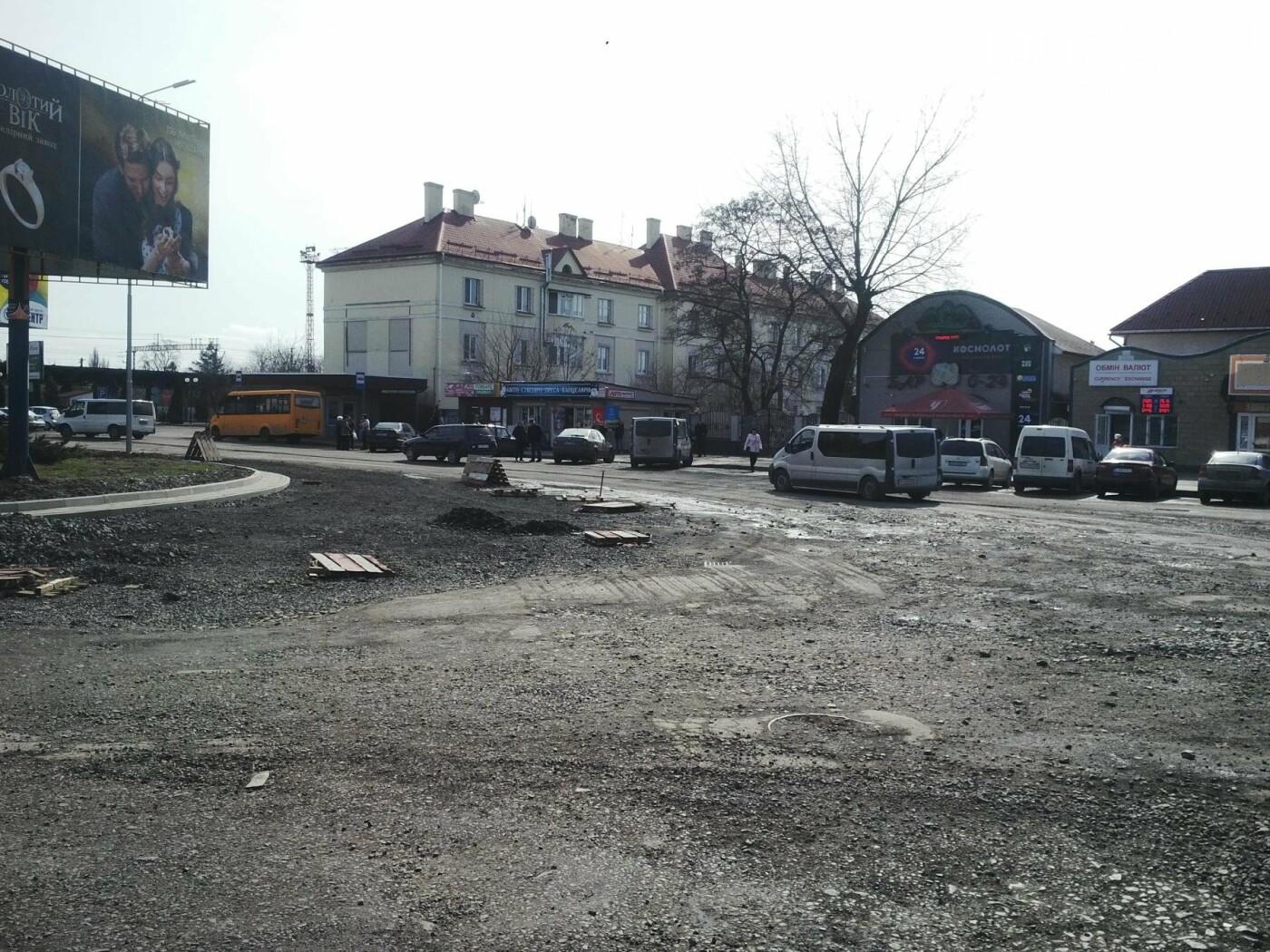 Ужгородська мерія - про реконструкцію площі Кірпи: роботи відновляться при середньодобових +12 (ФОТОРЕПОРТАЖ), фото-3