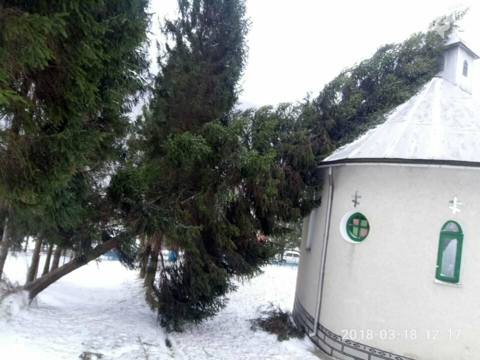 На Перечинщині шквальний вітер зніс дах на шкільній котельні (+ ФОТО), фото-2