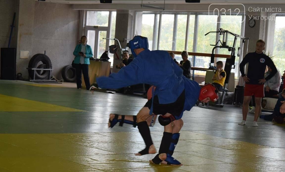 На відкритому чемпіонаті Ужгорода з бойового самбо переможцям вручили медалі та грошові премії (ФОТО), фото-13