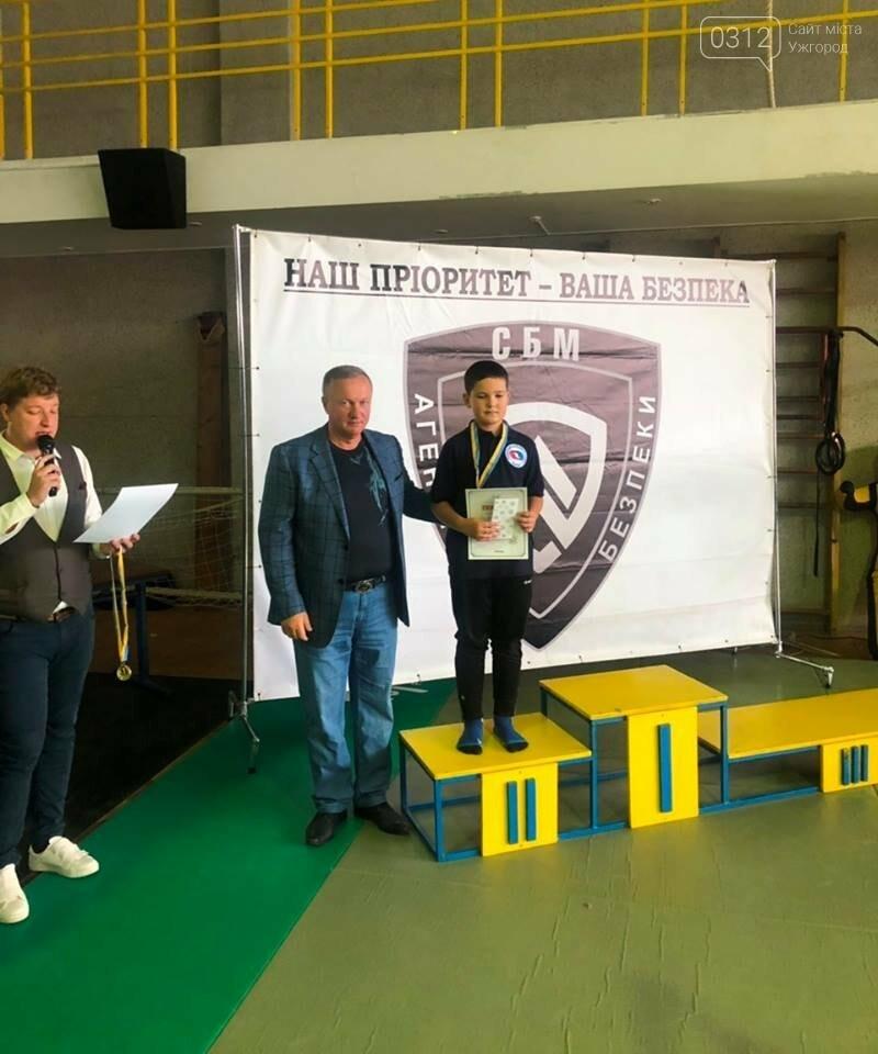 На відкритому чемпіонаті Ужгорода з бойового самбо переможцям вручили медалі та грошові премії (ФОТО), фото-11