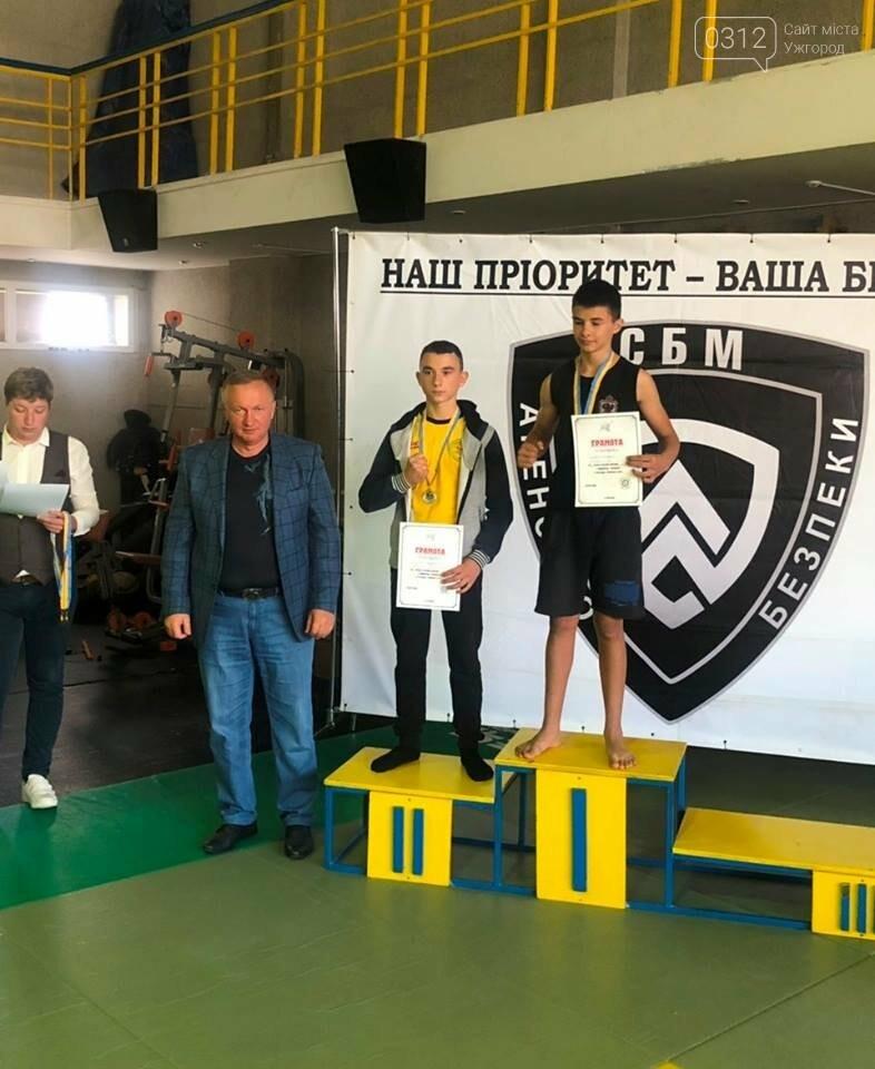 На відкритому чемпіонаті Ужгорода з бойового самбо переможцям вручили медалі та грошові премії (ФОТО), фото-10