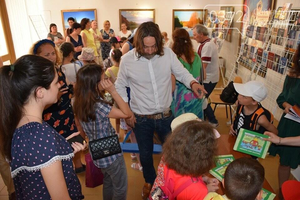 «Книга-Фест» в Ужгороді: що читають і що пропонують почитати (ФОТО), фото-5
