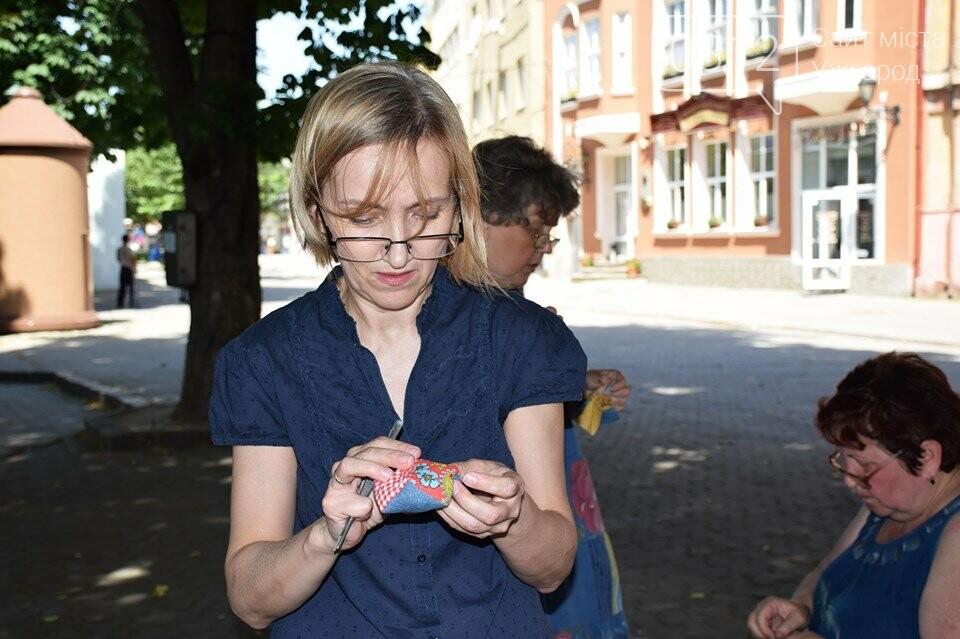 Ужгород вп'яте долучився до Міжнародного дня шиття просто неба (ФОТОРЕПОРТАЖ), фото-5