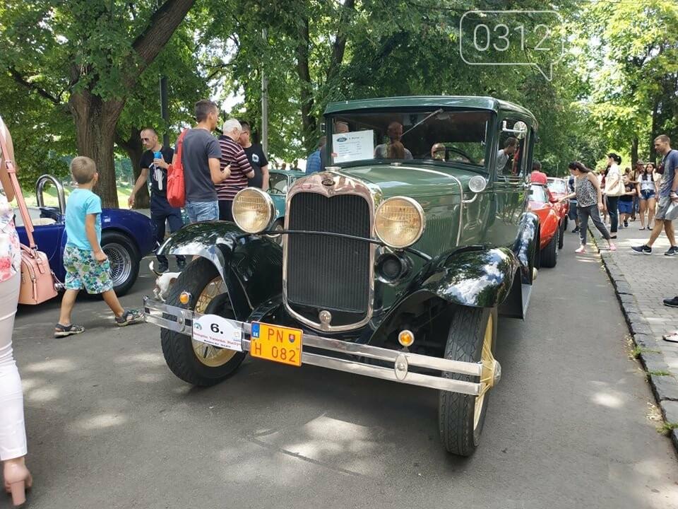 «Земплінське ралі автоветеранів» зібрало в Ужгороді близько 100 ретро автомобілів (ФОТО), фото-25