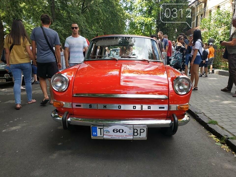 «Земплінське ралі автоветеранів» зібрало в Ужгороді близько 100 ретро автомобілів (ФОТО), фото-27