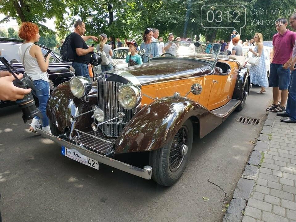 «Земплінське ралі автоветеранів» зібрало в Ужгороді близько 100 ретро автомобілів (ФОТО), фото-28