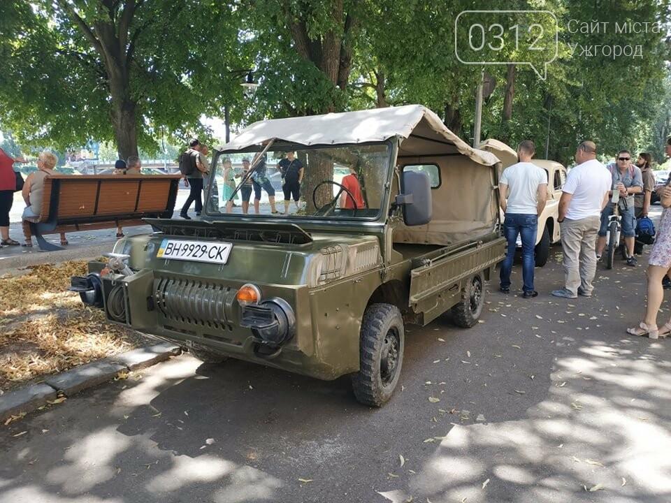 «Земплінське ралі автоветеранів» зібрало в Ужгороді близько 100 ретро автомобілів (ФОТО), фото-19
