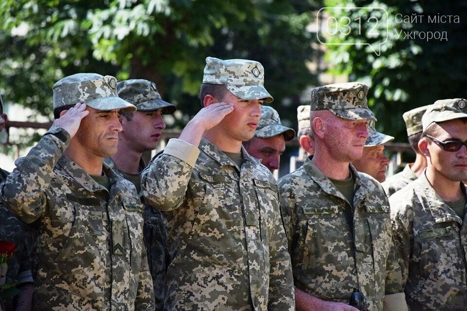Меморіал загиблим воїнам-захисникам України відкрили в Ужгороді (ФОТОРЕПОРТАЖ), фото-4