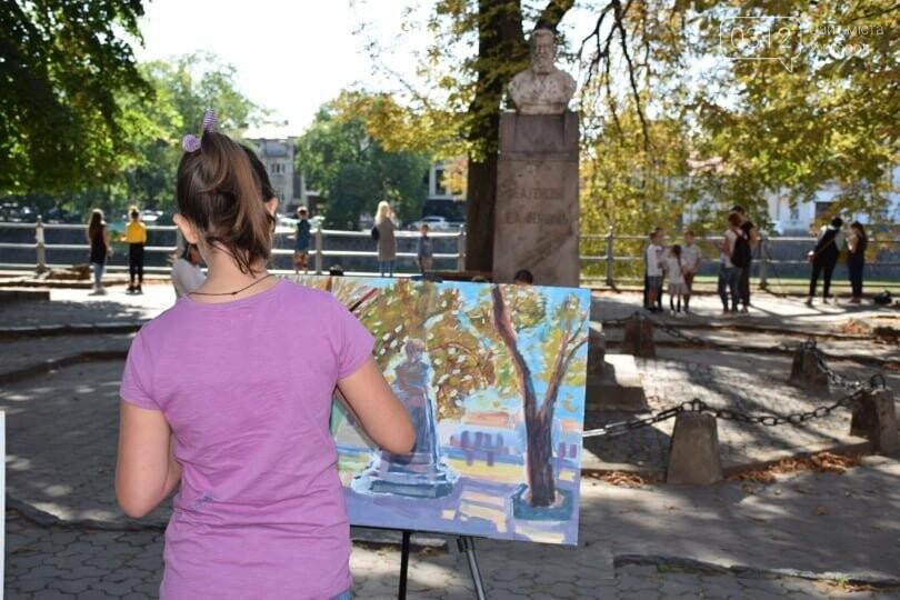 Панораму мальовничого Ужгорода створювали юні художники обласного центру (ФОТОРЕПОРТАЖ) , фото-5