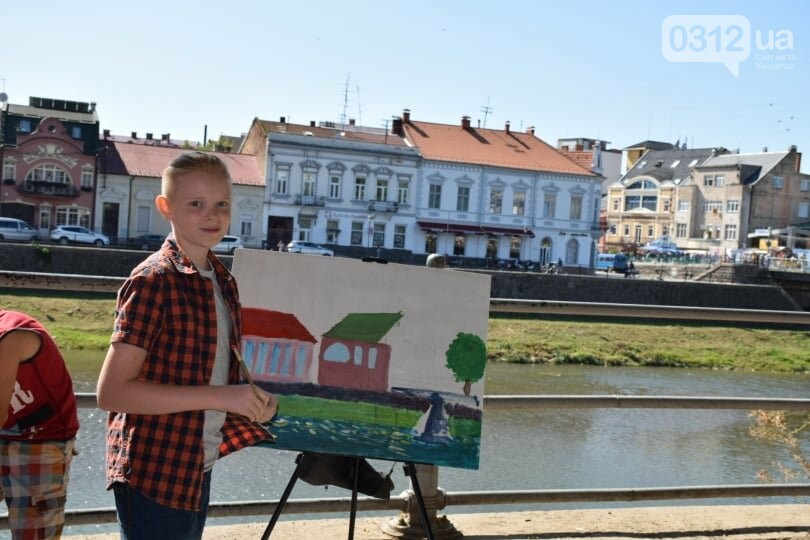Панораму мальовничого Ужгорода створювали юні художники обласного центру (ФОТОРЕПОРТАЖ) , фото-3