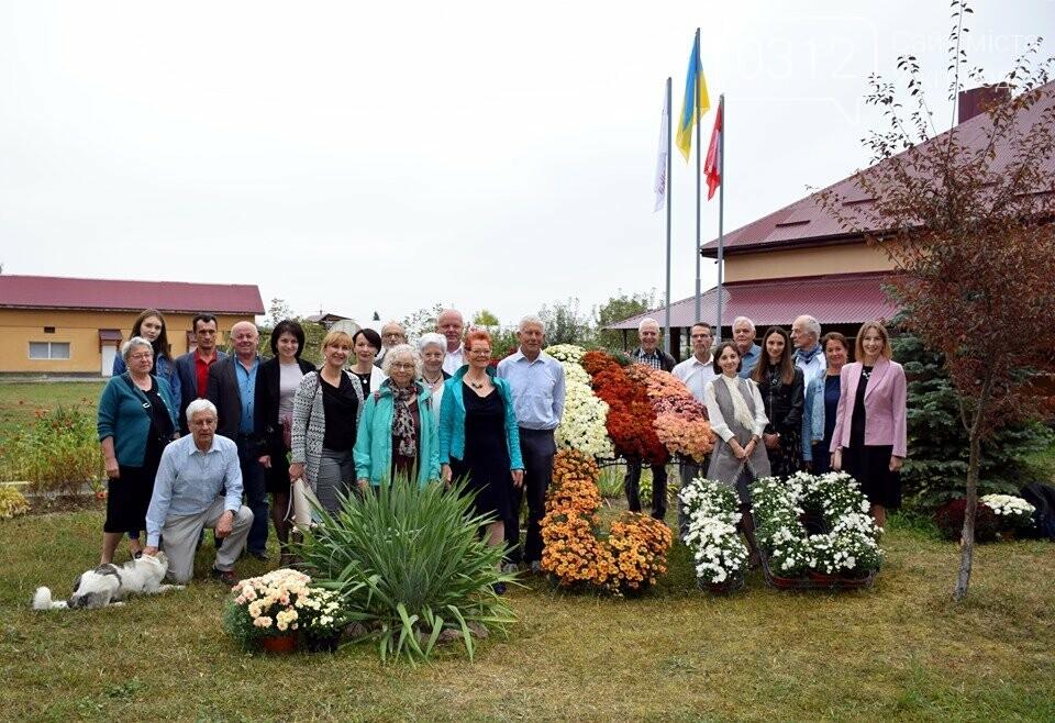 Реабілітаційний центр «Парасолька» на Закарпатті відсвяткував 10-річний ювілей (ФОТОРЕПОРТАЖ), фото-1