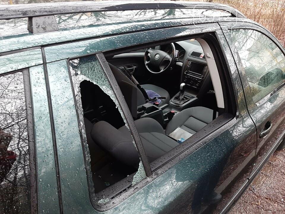 Будьте обачними! В Ужгороді продовжують грабувати автомобілі (ФОТО), фото-2