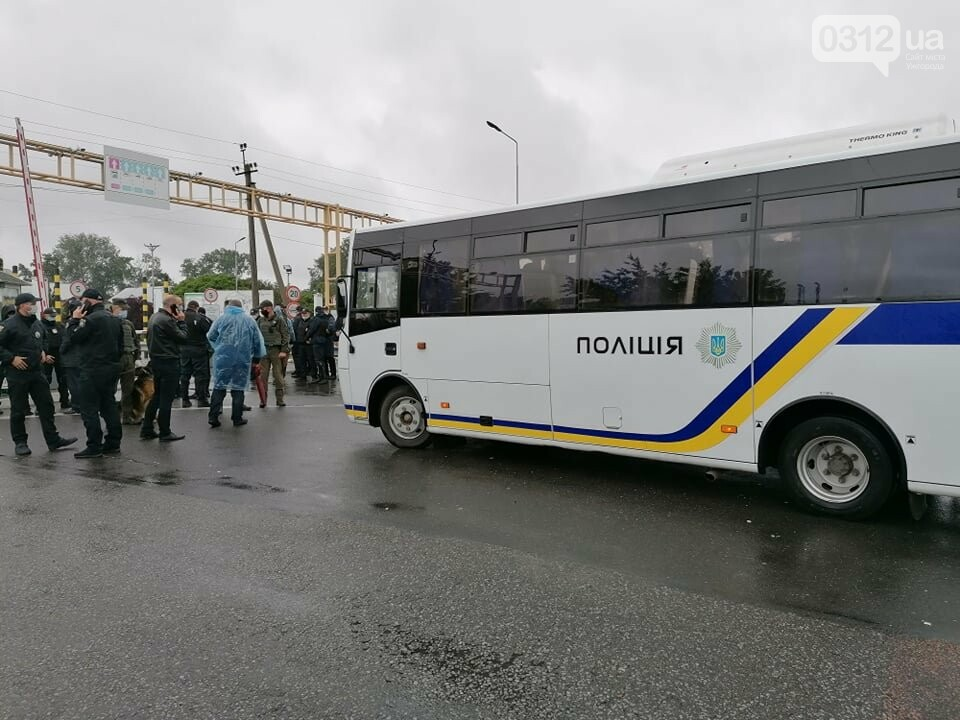 Водії, які блокували КПП «Тиса», залишились незадоволеними вартістю розмитнення (ФОТО), фото-4