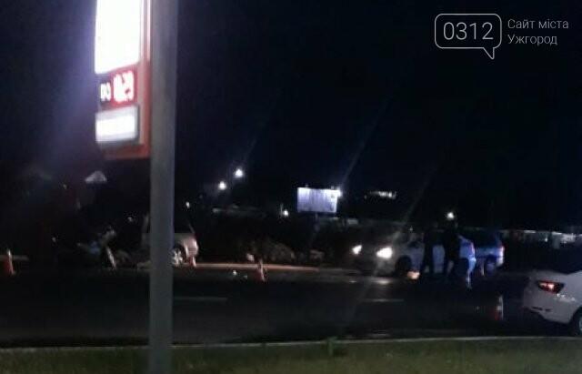 Нічна ДТП неподалік Мукачева: в аварії зіткнулися два автомобілі, фото-2