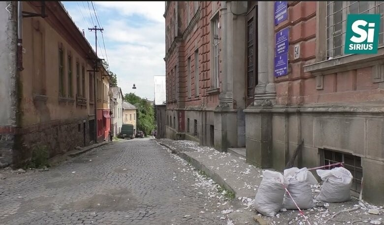Аварійна будівля - В Ужгороді руйнується об`єкт культурної спадщині