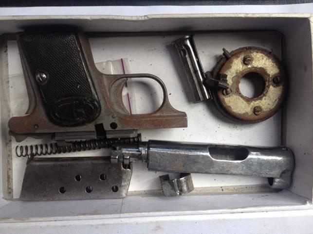 """На Закарпатті поліція спіймала """"снайпера-наркомана"""": фото, фото-1"""