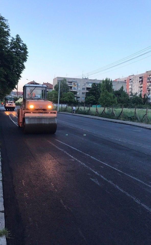 В Ужгороді міськрада похвалилася заасфальтованою вулицею Берчені: фото , фото-3