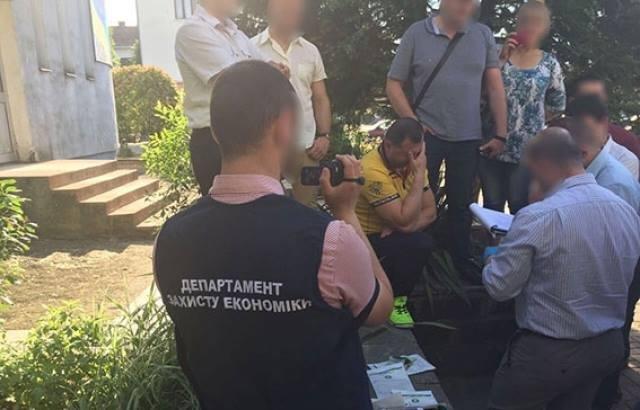 Меру і чиновникам Чопської міськради за хабар загрожує до 10-ти років тюрми - прокуратура, фото-2