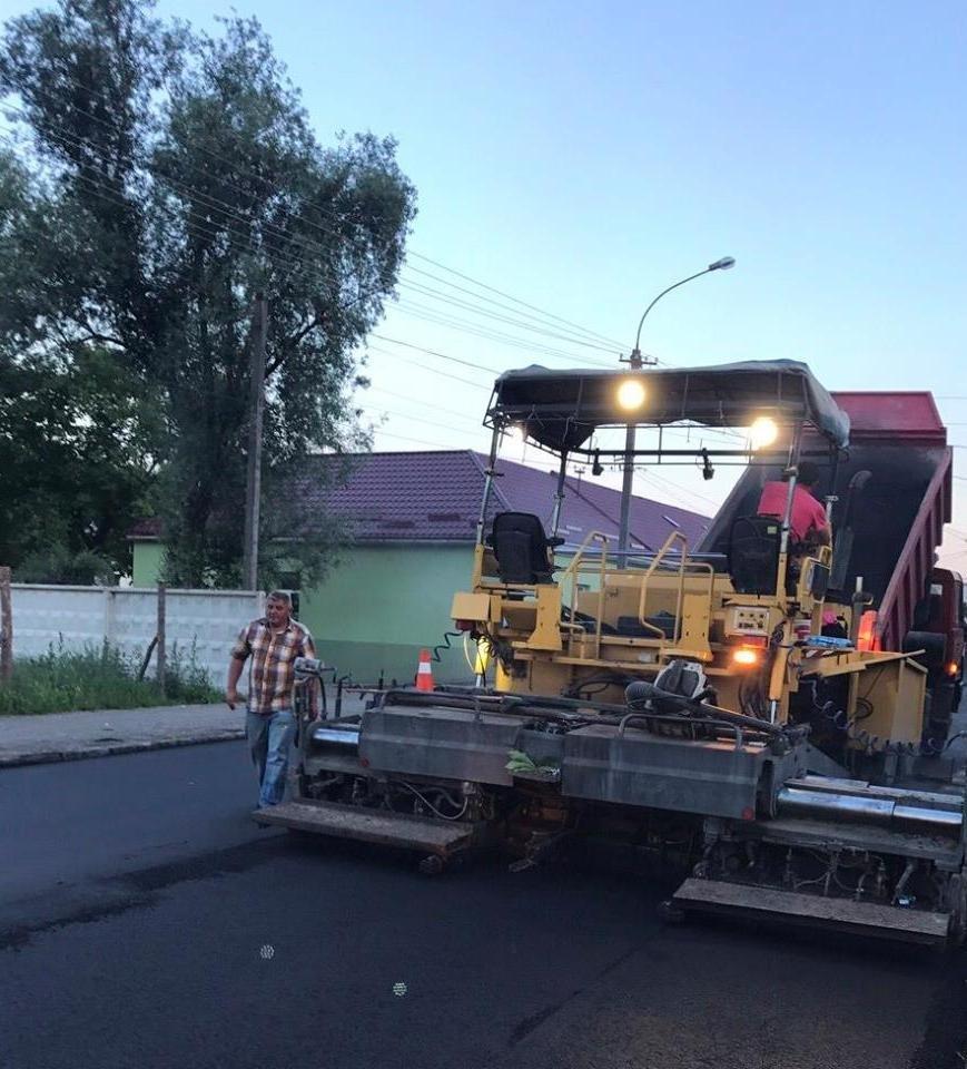 В Ужгороді міськрада похвалилася заасфальтованою вулицею Берчені: фото , фото-5