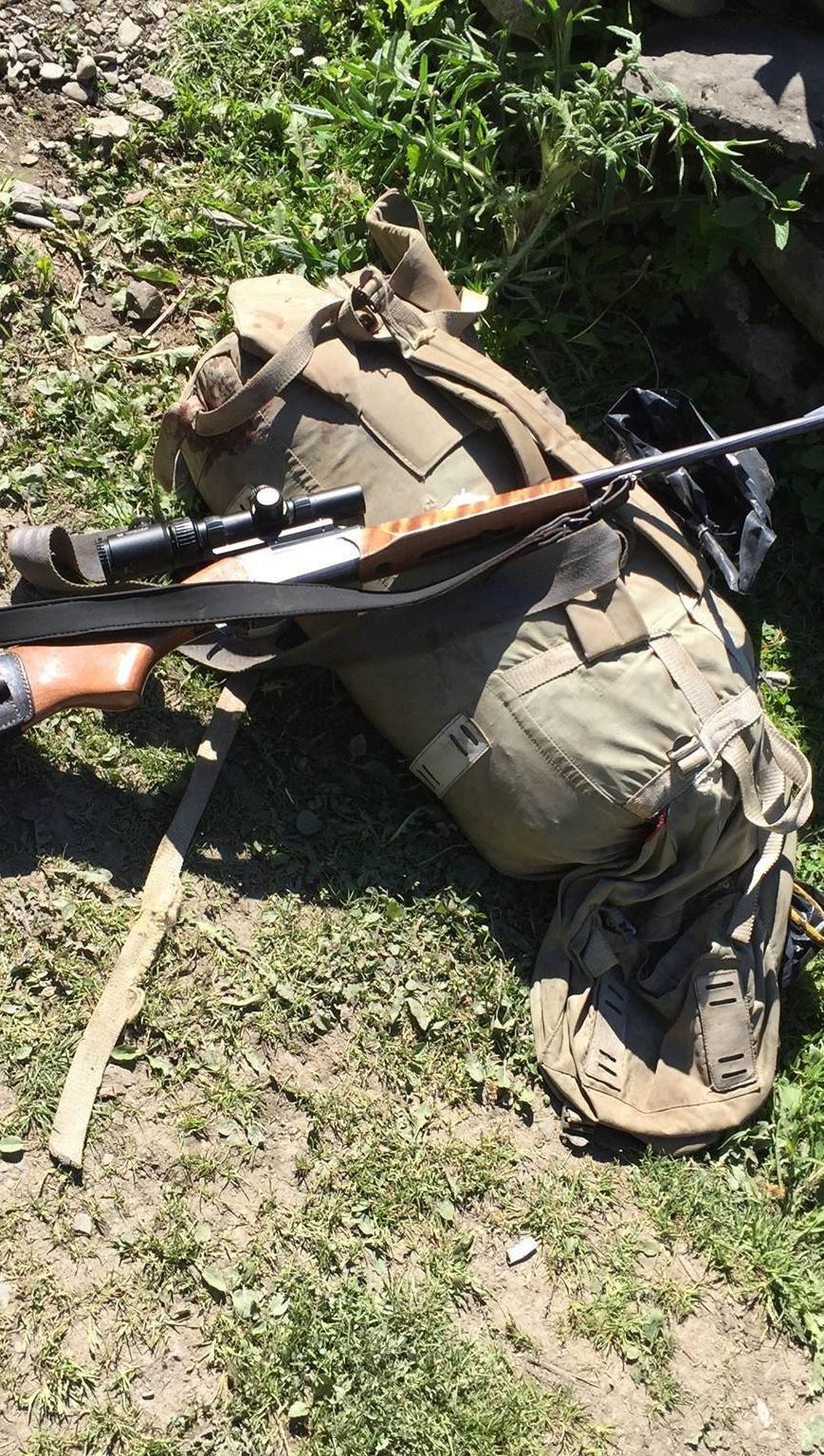 На Закарпатті затримали браконьєрів зі снайперськими гвинтівками та м'ясом оленя: фото, фото-4