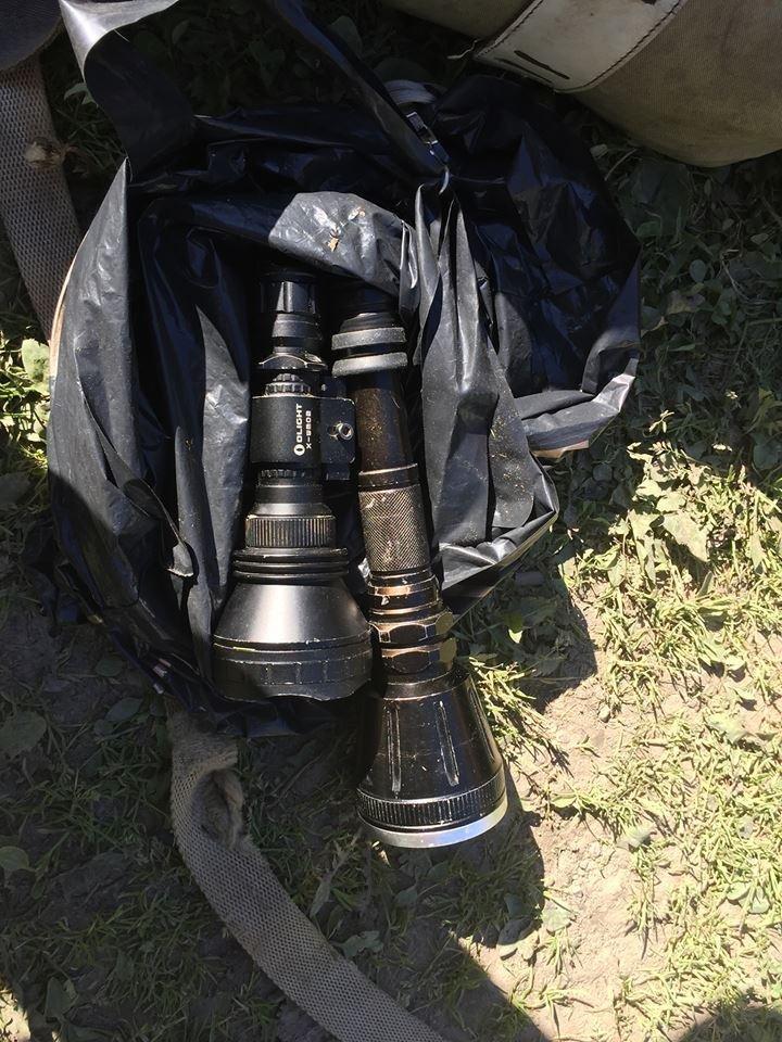 На Закарпатті затримали браконьєрів зі снайперськими гвинтівками та м'ясом оленя: фото, фото-1
