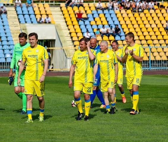 Найяскравіші моменти матчу збірних ветеранів України та Угорщини в Ужгороді: фоторепортаж, фото-16