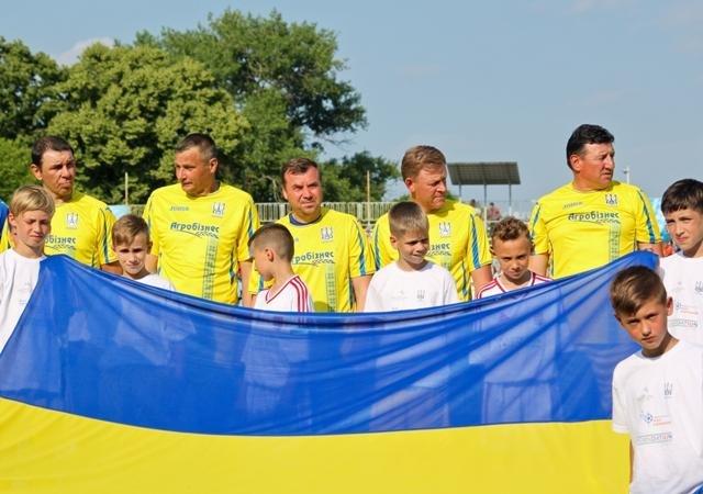Найяскравіші моменти матчу збірних ветеранів України та Угорщини в Ужгороді: фоторепортаж, фото-27