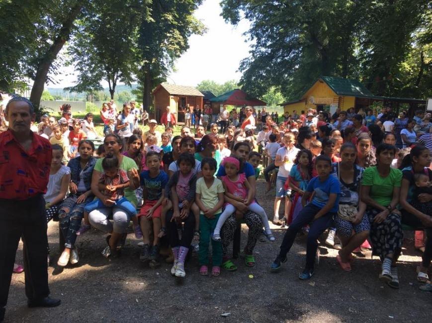 """Як 400 маленьких ромів розважалися у парку """"Підзамковому"""": фото, фото-8"""